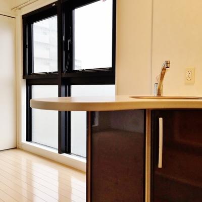 とっておきのキッチンがある明るいお部屋。