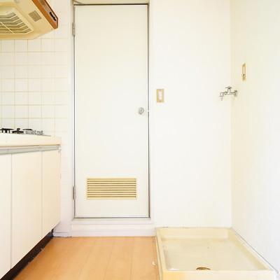 後ろに洗濯機と冷蔵庫置けます!