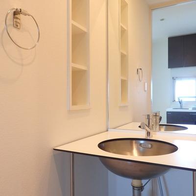 ボウル型の洗面台!おもしろい。