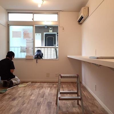 ひとり暮らしサイズ。このコンパクトな空間をどううまく使うか・・・!※写真は前回施工の部屋