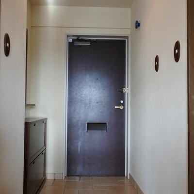玄関もゆったりね。