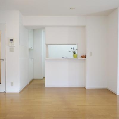 キッチンは対面式。