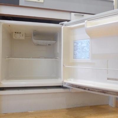 冷蔵庫はこのくらいの大きさ。工夫して使ってみましょう