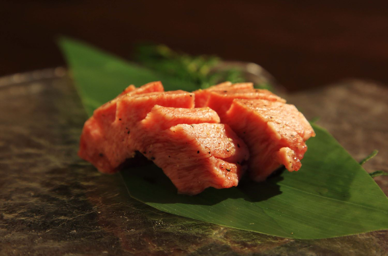 俳優・山本耕史が過ごす「一人焼肉」の時間と空間。肉と向き合うことで見えてくるもの(PR)の画像
