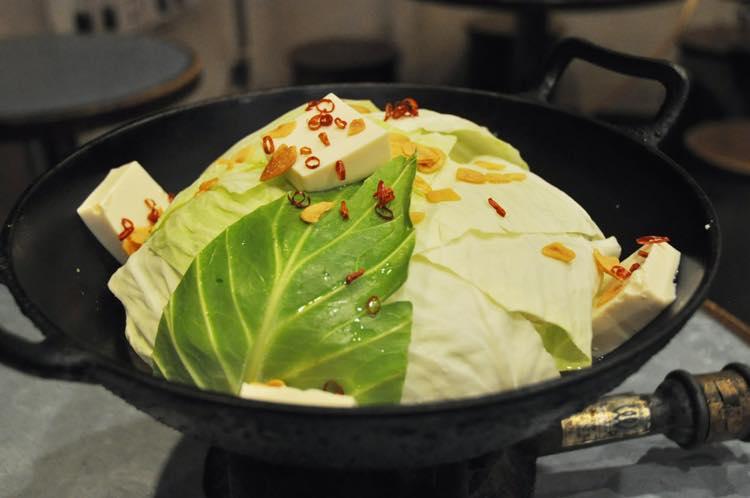 ホルモン鍋(味噌)1人前980円(2人前〜注文可)
