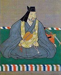 長尾為景の実子。関東管領、上杉憲政から山内上杉氏の家督を譲られ、関東管領に就任。信濃に侵入してきた武田信玄と死闘を演じた。四度目の川中島の戦いが有名。