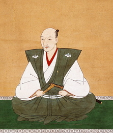 織田信長は尾張半国の戦国大名として出発したが、今川義元を桶狭間ノ戦いで破り、武名を高めた。その後、美濃を制圧し、のちの15代将軍、足利義昭を擁して上洛に成功した。だが、将軍、義昭との関係が悪化し、信長包囲網に苦しめられた。しかし、武田信玄の死去などもあり、何とか生き延び、1575年には武田信玄の子、武田勝頼の軍勢を長篠の戦いで破り、信長包囲網の一角を崩した。1578年には毛利水軍を破り、石山本願寺への補給を遮断することに成功し、1580年には本願寺との戦いに勝利し、さらには1582年には武田勝頼を滅ぼして、天下統一が目前になった所で、2ヶ月後、本能寺の変で明智光秀の謀反で攻め殺された。