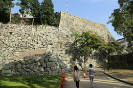 <p>姫路城二の丸東側の石垣。<br>壮観!</p>