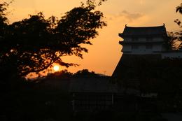 【姫路城の日没ーその2ー】日没シルエットの姫路城西の丸・カの櫓。