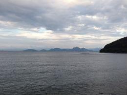 【駿河湾】大瀬崎を過ぎたあたり。昨日の対岸から沼津アルプスが見える。