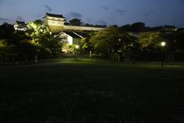 【ライトアップ姫路城西の丸】ライトアップされた姫路城西の丸のかの櫓(中央左)とわの櫓(左)。 多聞櫓もいいですね〜