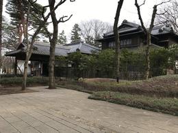 【江戸東京たてもの園を訪問】本日(2017/3/5)は江戸東京たてもの園に行ってきました。小金井公園にある施設で、江戸から昭和初期までの建物が30ほど見られます。 http://www.tatemonoen.jp/index.html  226事件の現場となった高橋是清邸もあります。豪邸ばかりというわけではなく、民家や醤油屋さんといった商家も見学できます。