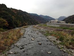 【石垣山一夜城】早川を渡る。