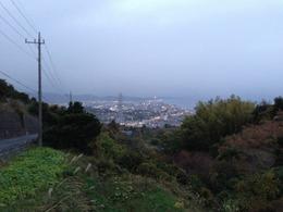 【石垣山一夜城】小田原への帰り道。明かりが灯りはじめた小田原市街地。