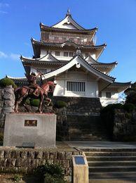 【千葉城】千葉城の模擬天守。天守の中に郷土資料館があり、展示が充実していた。ボランティアの方が少年に熱心に千葉氏の歴史を語っていたのが、印象的だった。