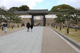 【大阪城】大手口枡形高麗門。<br>      左右に巨大な鏡石が配置されている。<br><br>      現在の高麗門は1848年に再建された。