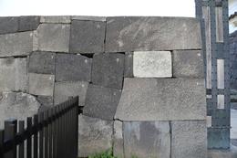 【江戸城】清水門の高麗門に書かれた番号。<br>      新しそうなので、改修時に付けたものか。