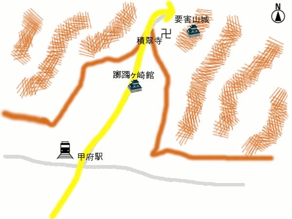 【躑躅ヶ崎館付近の絵地図】<div>躑躅ヶ崎館は相川扇状地の谷に位置し、西側は北から南へ荒川、東側は北東から南西へ笛吹川が流れている。北には山の麓に積翠寺が、詰の城として要害山城がある。 <br>福島勢乱入の際(1521年)、武田信虎は身重の大井夫人を積翠寺に避難させ、大井夫人はその地でのちの武田信玄を生んだ。 この時を含め、結局、要害山城で戦闘が行われることはなかった。</div>