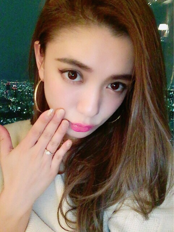 偶像日本 モデルの谷口紗耶香が30歳の誕生日に再婚を発表