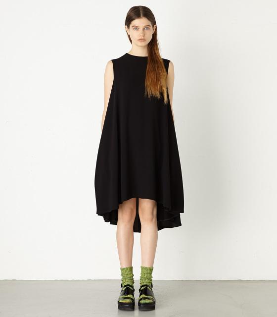 波瑠がドラマ『世界一難しい恋』で着用したドレスのブランド「ENFOLD」2