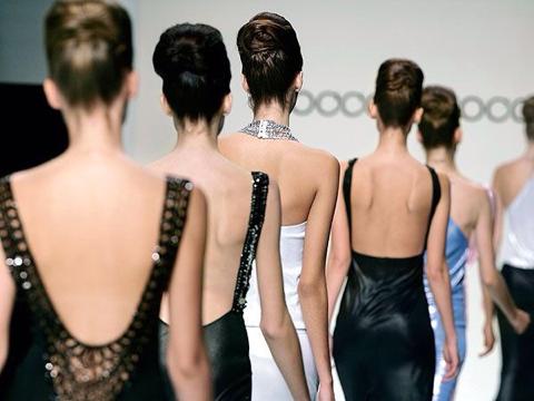 ニュースの拾い読みー フランスが痩せすぎモデルを禁止ー現代の難病「拒食症」(摂食障害)