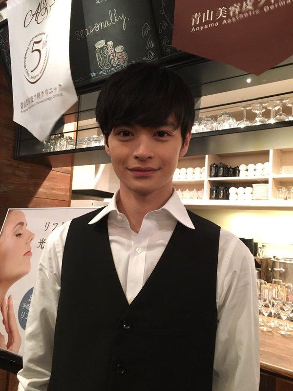 できしな諒太郎が働くカフェはどこ?フェアリー男子に出会いたい女子必見!
