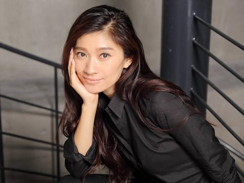 真似したい♡「オトナ女子」篠原涼子のピンクのネイルが可愛いと話題