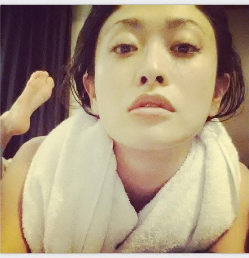 山田優、すっぴん風呂あがりショットを公開