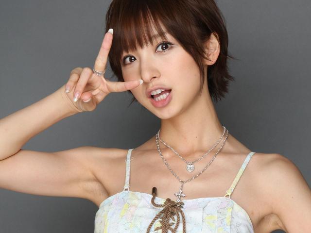 篠田麻里子ついに結婚か!しかし彼氏が出来ても話題にならない悲劇
