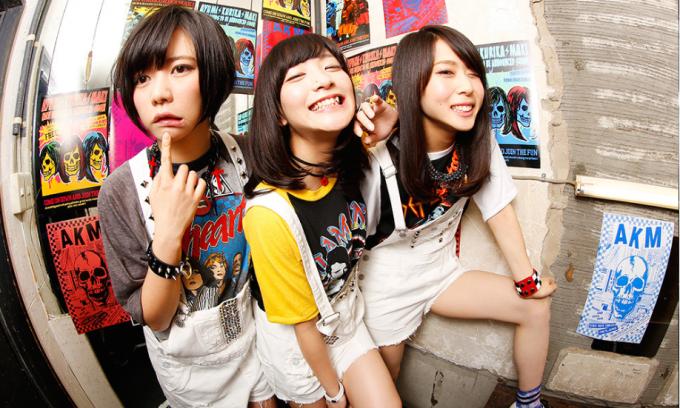 ガールズDJユニット・あゆみくりかまきの4thシングル「旅立ちの唄」が、アニメ『NARUTO-ナルト-疾風伝』のエンディングテーマに決定!