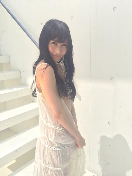 2016年8月29日發行的周刊雜誌中的矢倉楓子的凹版寫真,她在自己的Twitter上公開了拍攝時的花絮。