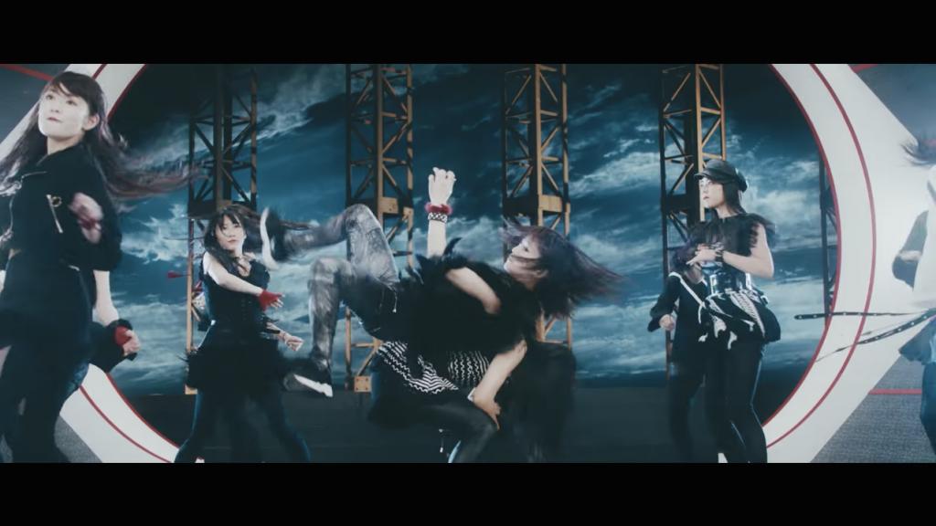 来至NMB48 第16专辑「僕以外の誰か(除我以外的人)」官方音乐视频。