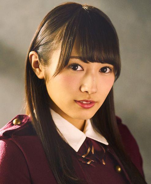 欅坂46成员的渡边梨加。