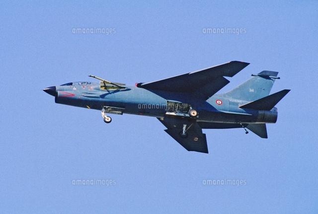 F 8 (戦闘機)の画像 p1_21