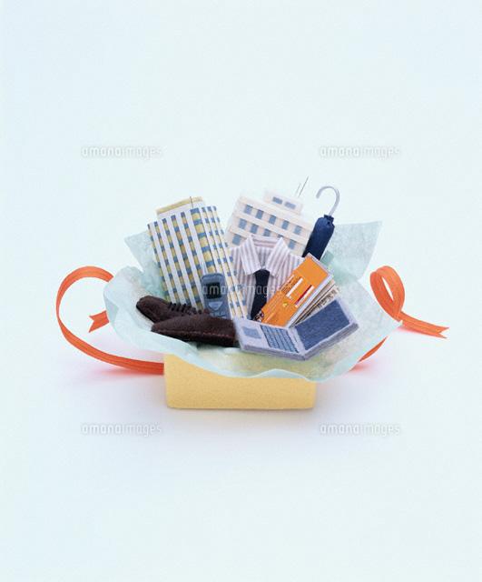 フェルト製のビジネスアイテムのプレゼント (c)AKIKO KAWANA