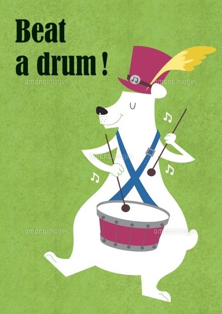 ドラムを叩く白クマ (c)megumi masubuchi