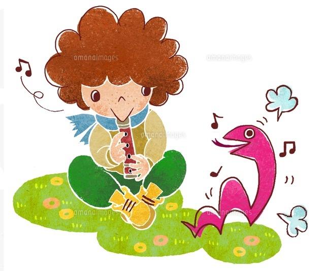 ヘビと笛を吹く男の子 (c)megumi masubuchi