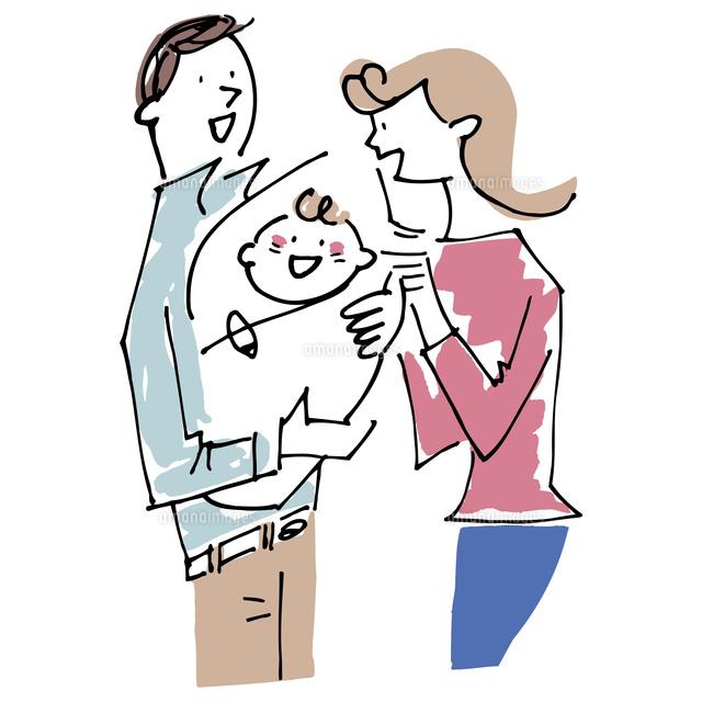 赤ちゃんをあやすカップル (c)KEIKO NAGANO