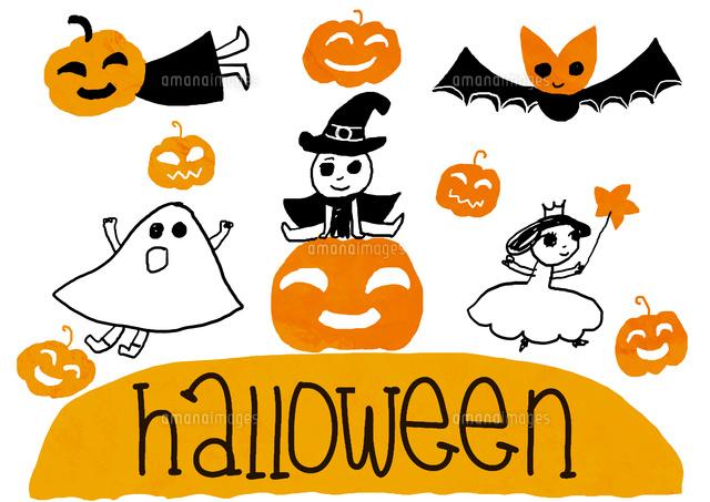ハロウィンの仮装をするプリンセスの女の子とオバケの子と魔法使いの男の子とかぼちゃの子とこうもりの子 (c)mushuko takabe