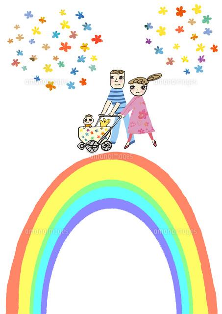 大きな虹の上を笑顔で歩くベビーカーを押す男女カップル,ベビーカーには赤ちゃんと犬が乗る (c)mushuko takabe