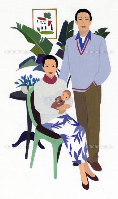 男性と赤ちゃんを抱く女性のポートレート (c)Izutsu Hiroyuki