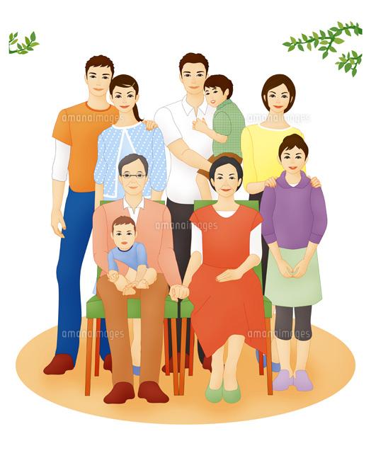 3世代ファミリー集合 家族写真 (c)Lmuotoilu/ailead