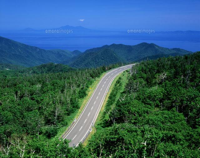 知床横断道路より国後町方面を望む