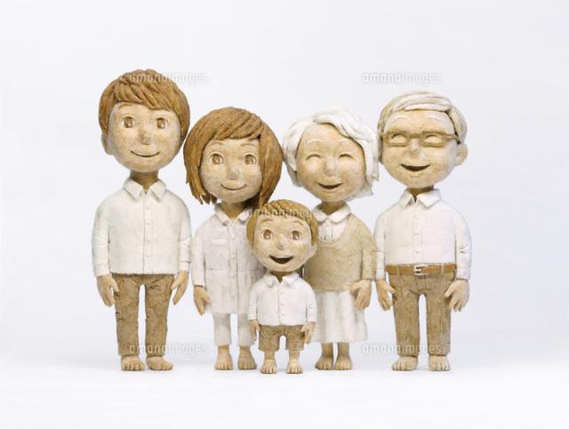 3世代家族 (c)Kazuhiro Kanazawa/artliaison