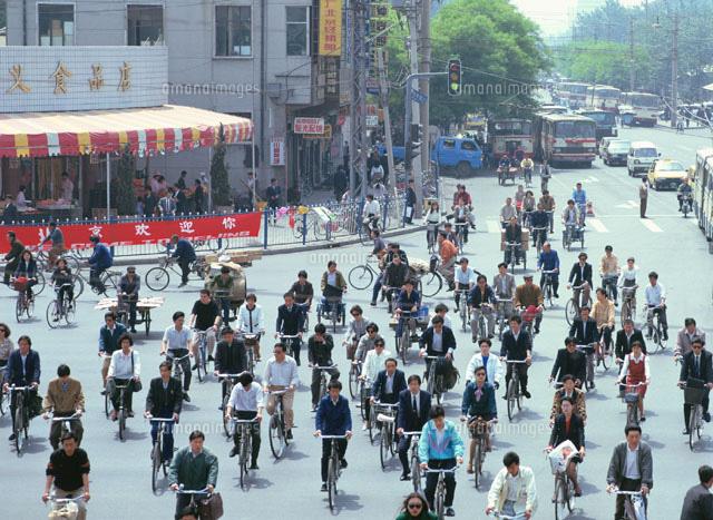自転車の歩道通行、取り締まり強化 違反者に過料 [無断転載禁止]©2ch.netYouTube動画>1本 ->画像>15枚