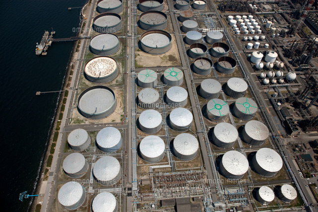 コスモ石油の石油タンク群(京葉工業地帯)