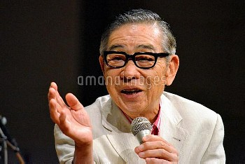 議員辞職 福島瑞穂社民党幹事長に「やめないで」と声をかけられる大橋巨泉氏
