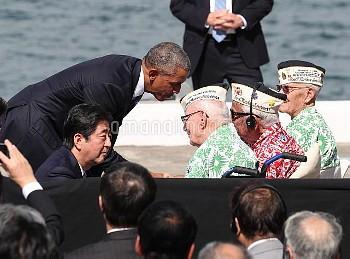【要事前申請】元米兵と言葉を交わす安倍首相とオバマ米大統領 ハワイ・真珠湾