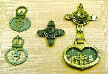 国宝に指定された宗像大社沖津宮祭祀遺跡出土品の金銅製馬具