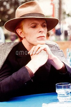 THE MAN WHO FELL TO EARTH, David Bowie, 1976